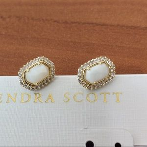 Kendra Scott Cade White Pearl Gold Mini Earrings